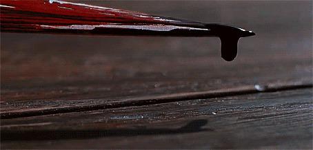 Анимация С ножа медленно капает кровь (© zmeiy), добавлено: 03.05.2015 21:19