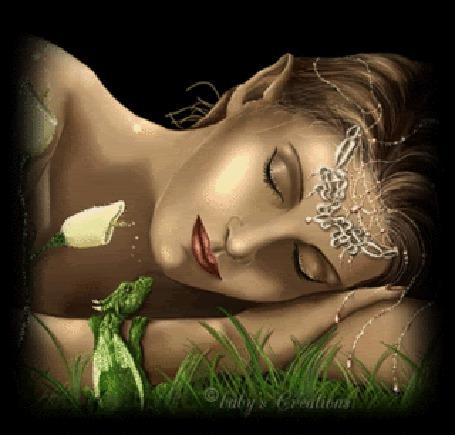 Анимация Девушка с украшениями, рядом с белыми каллами спит, у нее на руке сидит маленький зеленый дракон, Gaby Greations