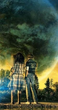 Анимация Девушка и мужчина стоят на опушке леса смотрят вдаль на огромную планету (© царица Томара), добавлено: 08.05.2015 15:14