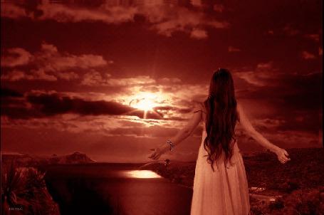 Анимация Девушка стоя на возвышенности и расставив в сторону руки, смотрит на кроваво-красный закат (© Akela), добавлено: 13.05.2015 18:42