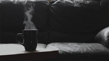 Анимация Чашка горячего чая и пар над ней (© zmeiy), добавлено: 15.05.2015 12:04