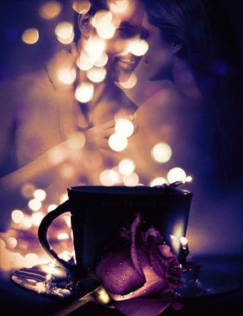 Анимация На столе стоит блюдечко с чашкой, рядом лежит фиолетовая роза, на фоне обнаженные мужчина с женщиной (© Svetlana), добавлено: 22.05.2015 14:46