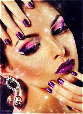 Анимация Красивая девушка с фиолетовым маникюром и фиолетовым макияжем (© qalina), добавлено: 24.05.2015 16:19