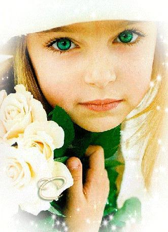 Анимация Зеленоглазая девочка с букетом белых роз, С любовью для тебя! Е. Луган
