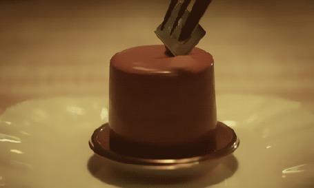 Анимация Человек вилкой отламывает кусочек пирожного (© HEPELIKA), добавлено: 26.05.2015 15:49
