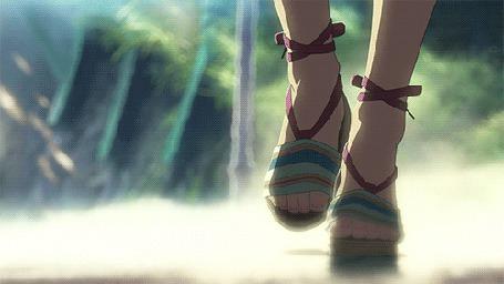 Анимация Девушкины ножки, идущие по мокрой дороге (© zmeiy), добавлено: 29.05.2015 23:37