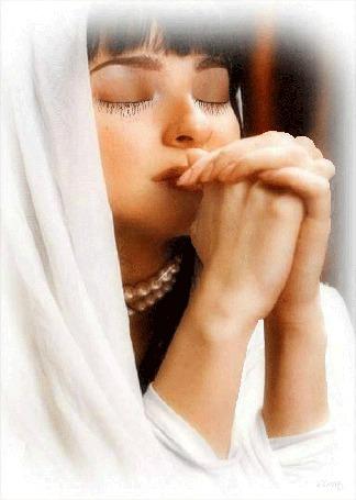 Анимация Девушка в белом одеянии молится (© zlaya), добавлено: 03.06.2015 23:25
