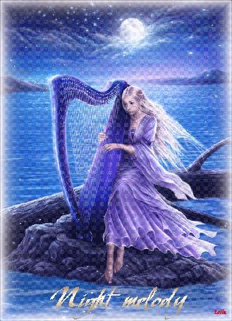 Анимация Девушка в сиреневом платье играет на арфе на фоне синей воды, неба, луны (Мелодия ночи) Leila