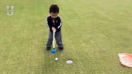 Анимация Малыш пробует закатить мяч в лунку, но когда это у него не получается, он катается по земле в истерике (© Anatol), добавлено: 10.06.2015 16:58