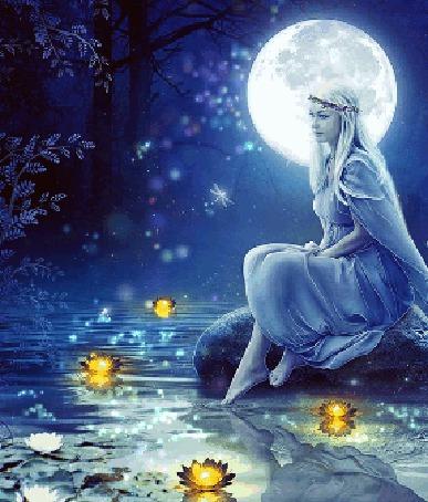 Анимация Девушка сидит у воды на фоне полной луны