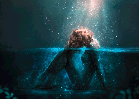 Анимация Девушка сидящая в воде (© Arinka jini), добавлено: 15.06.2015 14:10