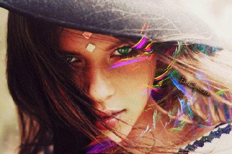 Анимация Девушка в шляпе, на фоне бликов (© Bezchyfstv), добавлено: 18.06.2015 00:25