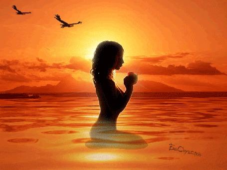 Анимация Девушка сидя в воде, прижимает к себе цветок, по небу летят две птицы (© Bezchyfstv), добавлено: 21.06.2015 19:17