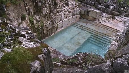 Анимация Каменный бассейн среди гор (© Seona), добавлено: 22.06.2015 10:36