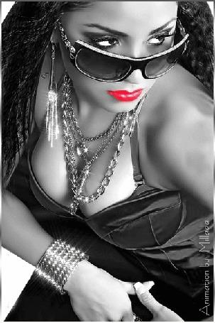 Анимация Гламурная девушка на темном фоне с украшениями и в очках с яркой помадой на губах / Animation by Millada/