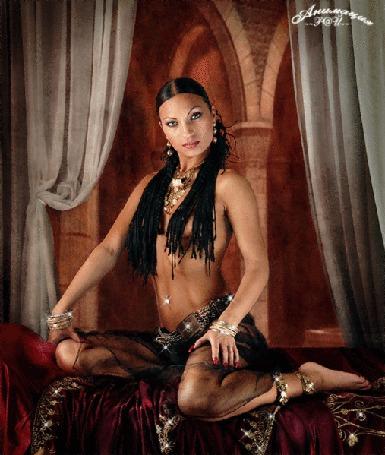 Анимация Восточная девушка на фоне старинного замка с украшениями / Анимация Рай/ (© qalina), добавлено: 27.06.2015 14:22