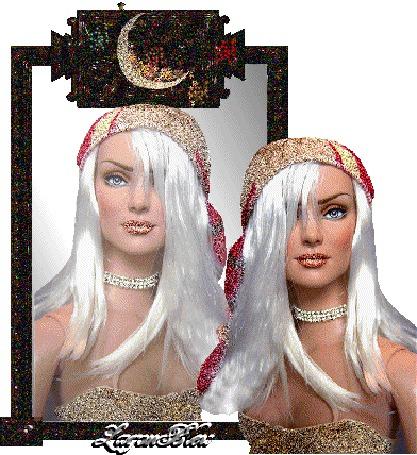 Анимация Девушка возле зеркала на фоне своего отражения (© qalina), добавлено: 27.06.2015 14:23