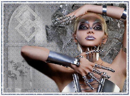 Анимация Гламурная девушка в украшениях под металику (© qalina), добавлено: 27.06.2015 18:39