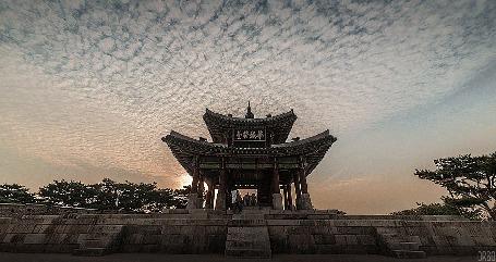 Анимация Облака проплывают над китайским зданием (© Seona), добавлено: 01.07.2015 14:03