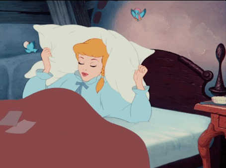 Анимация Золушка накрывает себя подушкой (© zmeiy), добавлено: 01.07.2015 20:08