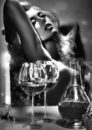Анимация Красивая девушка на сером фоне сидит за столом на фоне фужеров, свечи и кувшинчика с вином, Колибри (© qalina), добавлено: 01.07.2015 20:27
