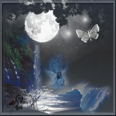 Анимация Девушка-ангелочек сидит на берегу речки на фоне луны и бабочки (© qalina), добавлено: 04.07.2015 20:04