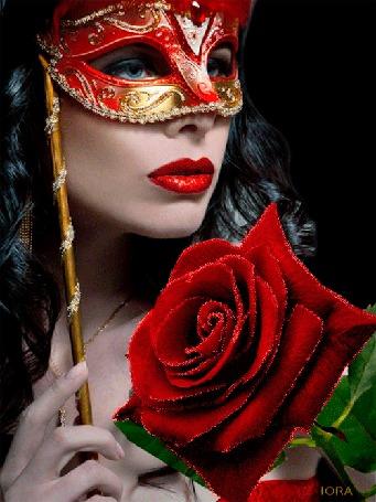 Анимация Красивая голубоглазая девушка с ярко накрашенными губами в маске на фоне розы, ЛОРА (© qalina), добавлено: 07.07.2015 19:19