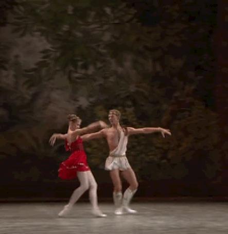 Анимация Парень с девушкой танцуют балет (© zmeiy), добавлено: 12.07.2015 17:26