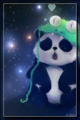 Анимация Панда в шапочке в виде крокодила на фоне сердечко / Е, Лузан/ (© qalina), добавлено: 16.07.2015 19:52
