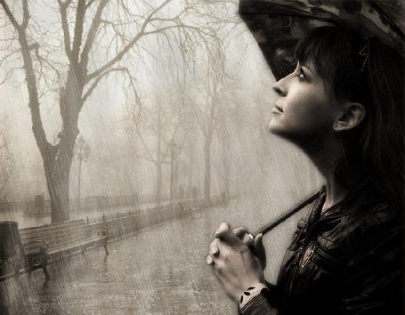 Анимация Девушка с зонтом в руках смотрит на дождь, рядом по дороге проходят люди