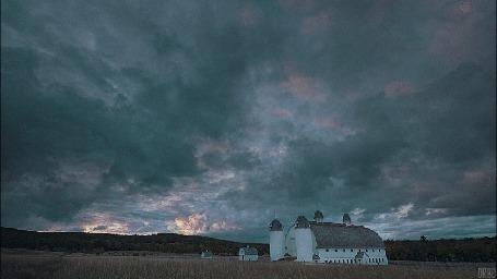 Анимация Облака проплывают над домом (© Seona), добавлено: 26.07.2015 13:10