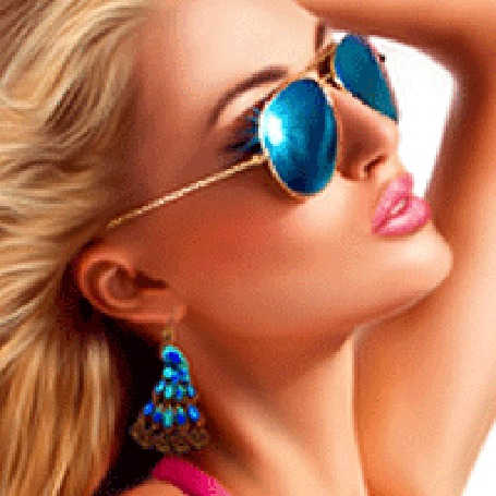 Анимация Красивая девушка блондинка в очках голубого цвета и с сережками в ушах (© qalina), добавлено: 07.08.2015 19:23
