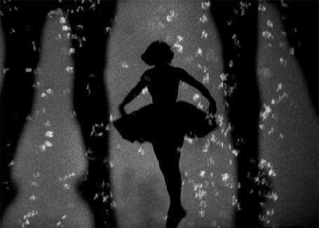 Анимация Танцующая девушка - балерина (© zmeiy), добавлено: 22.08.2015 11:54