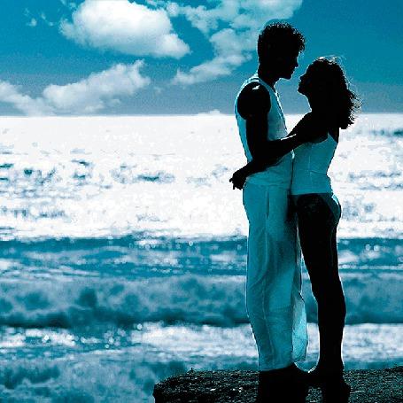Анимация Парень и девушка стоят, обнявшись, на берегу моря (© Миропия_Мира), добавлено: 22.08.2015 17:11