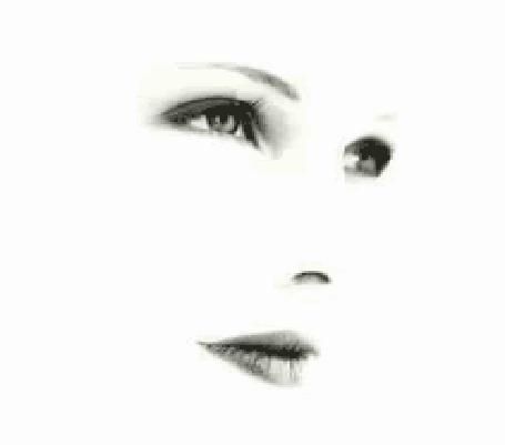 Анимация У девушки из глаза капает слеза (© zmeiy), добавлено: 06.09.2015 09:22