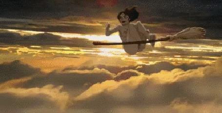 Анимация Обнаженная девушка ведьма катается на метле в небе