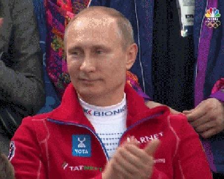 Анимация Владимир Путин в спортивном костюме на гонках в Сочи аплодирует победителю (© phlint), добавлено: 13.09.2015 14:06