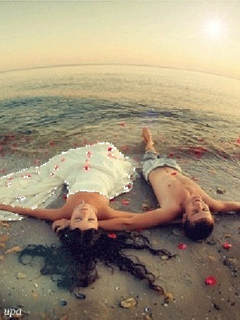 Красивые фото парень на берегу ласкает девушку фото 200-751