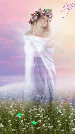 Анимация Девушка стоит посреди полевых цветов, вокруг которых порхают зеленые бабочки, и грустно смотрит вдаль, Snp