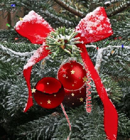 Анимация Новогодние шары на елке