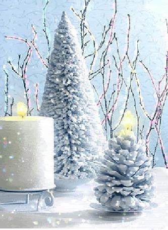 Анимация Новогодняя елочка и шишка в блестках
