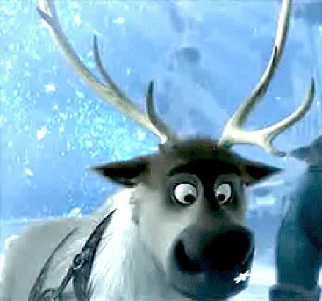 Анимация Олень наблюдает за падающей снежинкой
