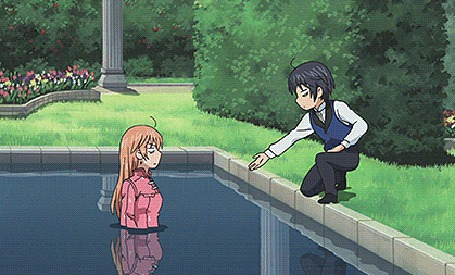 Анимация Парень протягивает девушки руку, чтобы помочь ей выйти из бассейна, но она в ответ сбрасывает его в воду, аниме Soredemo Sekai wa Utsukushii
