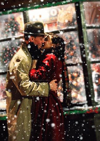 Анимация Влюбленные под падающим снегом