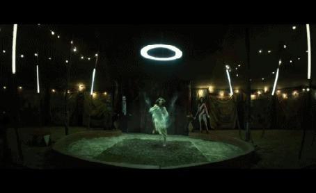 Анимация Красивый танец девушки в цирке (фрагмент клипа Krewella - Enjoy the Ride)