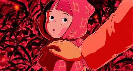 Анимация Рука прикасается к ребенку и тот радостно поворачивается, из аниме Могила светлячков