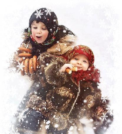 Анимация Девочки в зимних одеждах едут с горки на санках и едят бублики