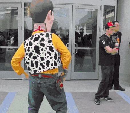 Анимация Sheriff Woody / Шериф Вуди, ростовая кукла на персонажа из Истории игрушек / Toy Story