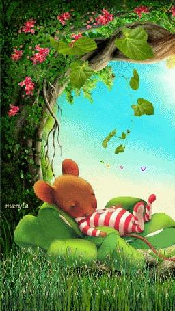 Анимация Мышонок на листике клевера, by maryla