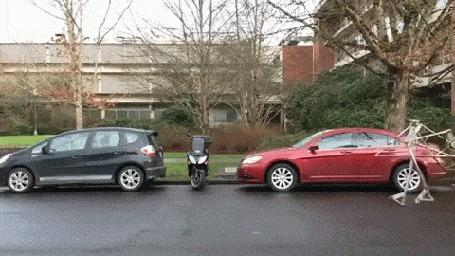 Анимация Парень перемещается по улице на велосипеде с механическими ногами вместо передних колес